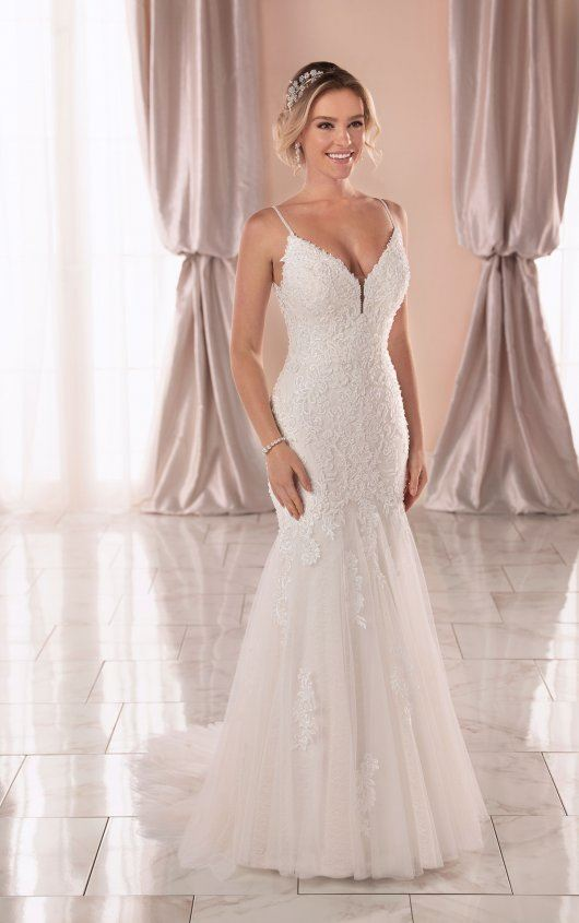 Gema - Size 16 - Ivory - $1699 - Sample Price $1299