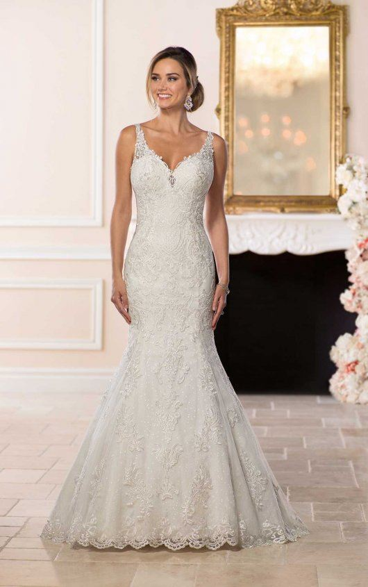 Gypsie - Size 12 - Ivory - $1899 - Sample Price $1199