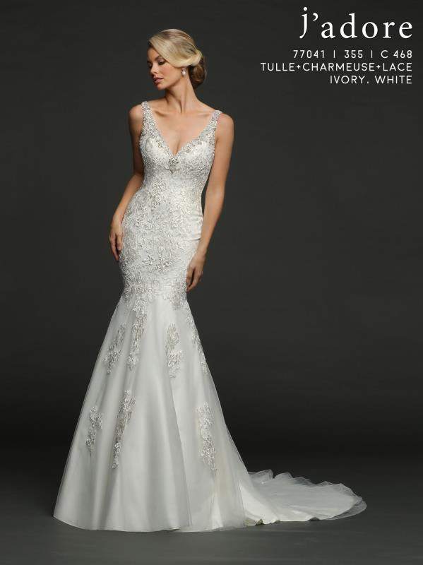 Jamie - Size 16 - Ivory - $1199 - Sample Price $599